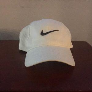 Nike Youth Baseball Cap White Black Swoosh New